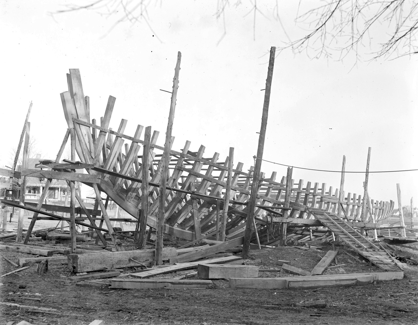 schooner-under-construction-essex-shipyard