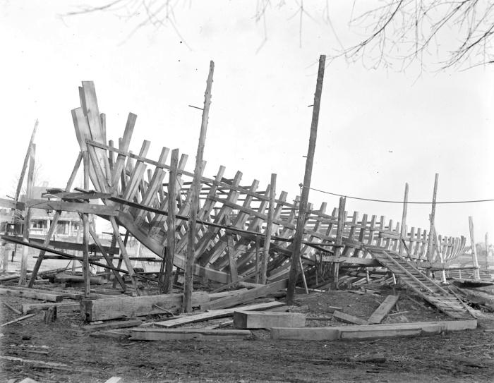 schooner-under-construction-essex-shipyard